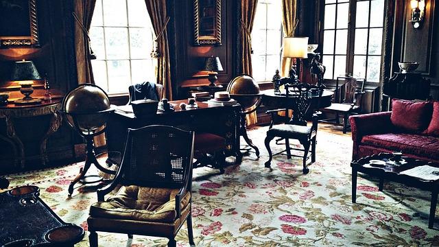 Domowe biuro z dywanem i designem